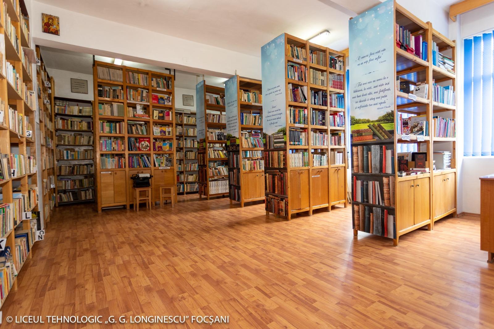 biblioteca liceul 3